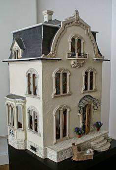 Petit cabinet de curiosités: Art Nouveau House