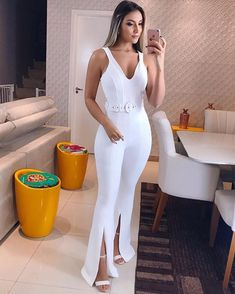 "Macacão lindo da loja @j.e_modas "" Women's Fashion Dresses, Dress Outfits, Cute Outfits, White Fashion, European Fashion, Matric Dance Dresses, Designer Jumpsuits, Perfect Woman, African Fashion"