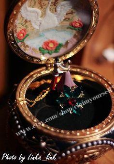 Fleurs Anastasia Emerald pendentif collier sur Paris ensemble