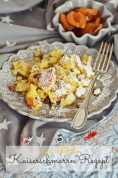 Österreichische Süßspeisen-Liebe - mein weltbestes Kaiserschmarrn Rezept | luziapimpinella.com Veggie Recipes, Baking Recipes, Crepe Cake, Vegan Pancakes, Macaroni And Cheese, Food And Drink, Brunch, Snacks, Dinner
