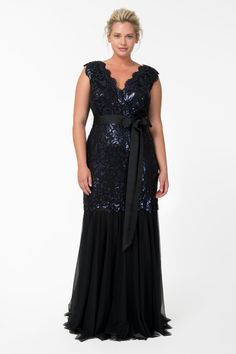 Paillette Embroidered Lace V-Neck Gown in Navy | Tadashi Shoji Fall / Holiday Plus Size Collection