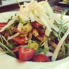 Summer Salad! by @@pizzeriamarina #calellabcn #calellaesmes #calellaxperience #calellagram #salad #foodies #foodporn #gastrovictim #gastronomy #summerfood #food