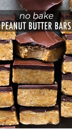 Easy homemade chocolate peanut butter cup bars made with only 5 ingredients cut them as large or small as you want! recipe on sallysbakingaddiction com no bake oreo dessert recipe Smores Dessert, Diy Dessert, Dessert Party, Dessert Dips, Simple Dessert Recipes, Recipes Dinner, Easy Dessert Bars, Easy Homemade Desserts, Bar Recipes