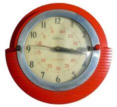 Bekalite Clock by Telechron