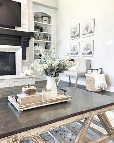 https://i.pinimg.com/236x/f1/53/b0/f153b020d563f02fd57e8cfefa9f00f7--farmhouse-coffee-table-centerpiece-farmhouse-coffee-tables.jpg