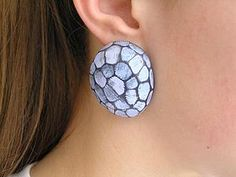 How to make hollow faceted post earrings from Anna Bragin (Braga).  Good pictures but benefits from translation.  cut carefully  ~ Polymer Clay Tutorials