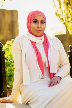Arab Girls Hijab, Girl Hijab, Arab Women, Muslim Women, Indian Actress Hot Pics, Indian Actresses, Hijab Fashion, Fashion Beauty, Beautiful Hijab