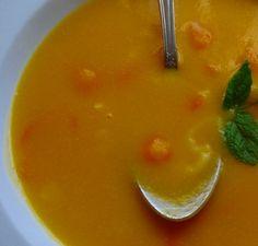 Receita de Sopa de abóbora e grão - http://www.receitasja.com/receita-de-sopa-de-abobora-e-grao/