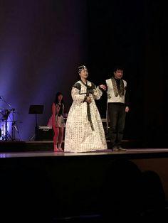 paper dress  fashion show 2