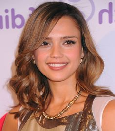 Best Haircuts for Round Faces 2014 – 2015