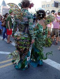 Mermaids from coney island mermaid parade Burlesque Costumes, Theatre Costumes, Sea Queen, Mermaid Parade, V & A Museum, Coney Island, Mardi Gras, Mermaids, Carnival