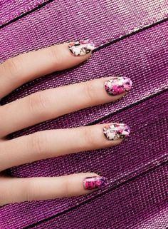 Get lost in the dimensions of these pink kaleidoscope nails. Each nail wrap package comes with 26 pre-sized, self adhesive nail wraps + a full size nail file. Learn how to apply nail wraps here! Great Nails, Fabulous Nails, Gorgeous Nails, Cute Nails, Funky Nails, Nail Polish Trends, Nail Trends, Ncla Nail Wraps, Hair And Nails