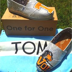 Custom Painted Tennessee Vols TOMS! SOLD! Place your order today at linds669@aol.com!