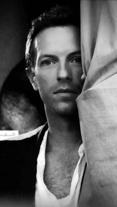 Coldplay Magic...So gorgeous!! Oh Chris :)