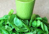 Kids Smoothie: They come home from school ravenous. Beat the snack attack and deliver vital nutrition with this recipe for a kids spinach smoothie: Smoothie Detox, Smoothie Legume, Best Smoothie, Dietas Detox, Good Smoothies, Cucumber Smoothie, Spinach Smoothies, Superfood Smoothies, Banana Smoothies