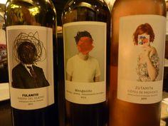 etiquetas de vino:_ vino Fulanito (Ribera del Duero)._ vino Menganito (Rueda)._ vino Zutanita (Cótes de Provence)