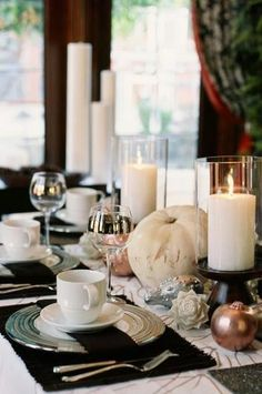 Create a black and white Tablescape for Thanksgiving!