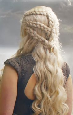 90 Classy Braided Hairstyles that Are High On Style Alert 60 Classy Braided Hairstyles that Are High On Style Alert Your search for delicately beautiful braided hairstyles comes to an end as we have gathered all the trending hairdos with braids here. Hair Inspo, Hair Inspiration, Braided Hairstyles, Cool Hairstyles, Khaleesi Hair, Androgynous Haircut, Viking Hair, Beautiful Braids, Different Hairstyles