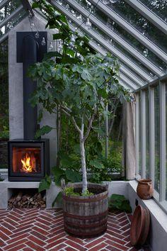 Kika in i Victoria Skoglunds underbara växthus   Residence