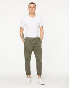 Tomas Cargo Hose Khaki aus Biobaumwolle #veganemode #veganfashion #fairfashion Vegan Fashion, Jeans, Fit, Khaki Pants, Shopping, Trousers, Khakis, Khaki Shorts, Gin