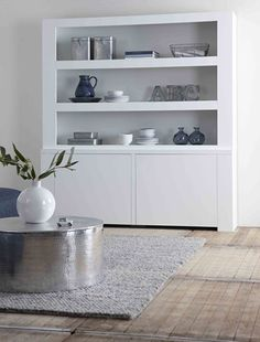 sam kast, House of mayflower Scandinavian Living, Room, Alcove Storage, Home, Interior Design Trends, House Interior, Interior Design Living Room, Pinterest Home, Scandinavian Interior