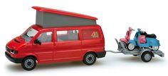 herpa H0 049511 VW T4 California Coach m. Anhänger 2x Vespa 50 R
