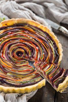 ricetta torta salata di verdure a spirale senza glutine senza uova senza burro #vegan con zucchine carote melanzane | vegan #glutenfree vegetable spiral tart recipe