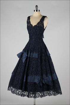 Vintage Midnight Blue Soutache Lace Cocktail Dress image 6 vintage dress * midnight blue lace * covered in soutache embroidery * tulle and taffeta linings * organza bow details * illusion shoulders * metal side zipper * full skirt condition Vestidos Vintage, Vintage 1950s Dresses, Vintage Outfits, Vintage Clothing, Fashion Mode, 1950s Fashion, Vintage Fashion, Fashion Outfits, Dress Fashion