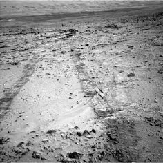 Mars Rover Curiosity Begins Trek Toward Mount Sharp