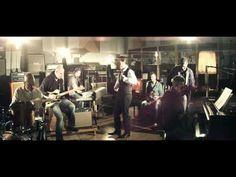 """Tiziano Ferro's brand new video for his 3rd single """"Hai delle isole negli occhi"""". Classy!"""