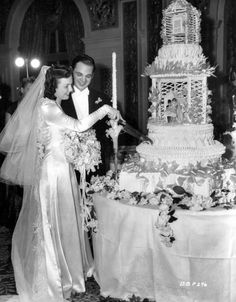 Tips For Planning The Perfect Wedding Day. A wedding should be a joyous occasion for everyone involved. The tips you are about to read are essential for planning and executing a wedding that is both Chic Vintage Brides, Vintage Wedding Photos, Vintage Bridal, Wedding Pics, Wedding Bride, Wedding Styles, Wedding Day, Wedding Dresses, Vintage Weddings