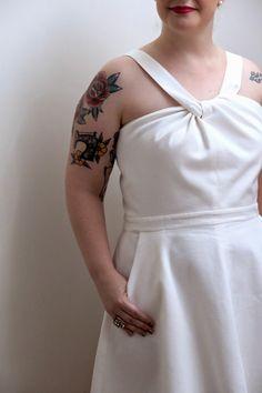 Vestido em piquê com saia rodada.    Veja mais em: http://www.costurakatiacostura.com/look-do-dia-reveillon-em-copacabana/