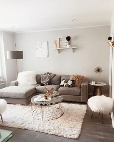 32 Perfect Small Living Room Ideas For Apartment - ✨ Room decor ✨ - Apartment Decor Small Apartment Living, Small Living Rooms, Home Living Room, Living Room Furniture, Modern Living, Modern Room, Lamps For Living Room, Table Furniture, Furniture Ideas