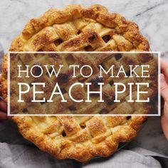 Peach Pie! This is what summer tastes like! Fresh peaches, easy homemade crust. Simple and perfect. #peachpie #pie #simplyrecipes #desserts #peaches Easy Peach Pie, Fresh Peach Pie, Peach Pie Filling, Easy Pie, Simple Pie, Peach Pies, Dessert Simple, Easy Peach Dessert, Peach Pie Recipes