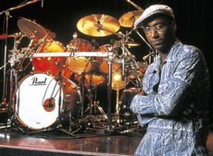 Omar Hakim and pearl drums