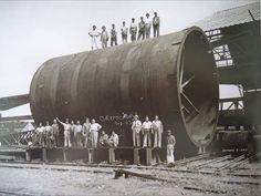 Trabajadores del departamento de estructuras en La Fundidora Monterrey fecha: Agosto 7 de 1943 fotografía de autor desconocido