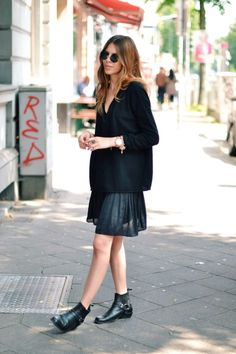 Black Outfit Ideas: Chunky Sweater   Pleated Skirt & Flat Ankle Boots