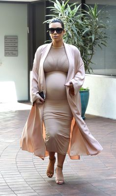 Kim Kardashian West Pregnancy Fashion - Visiting the doctor in Beverly Hills.   - ELLE.com