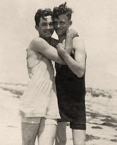 Vintage photographs of gay and lesbian couples and their stories. Vintage Couples, Vintage Love, Vintage Men, Vintage Lesbian, Lgbt Couples, Cute Gay Couples, Gay Aesthetic, Aesthetic People, Vintage Photographs