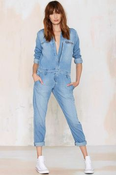 Boiler suits: how to style them according to street style stars - LaiaMagazine