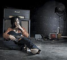 MusicPlayers.com: Features > Guitars > Steve Stevens