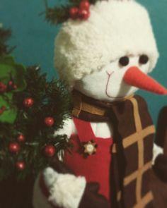 Un muñeco muy elegante #fieltro #muñecodenieve #navidad #echoamano #hiloyaguja