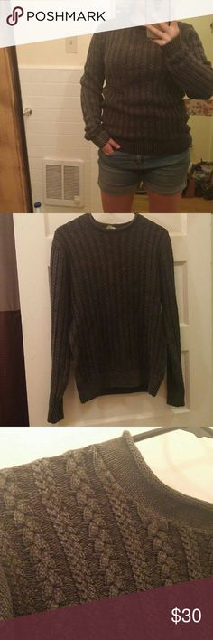 Unisex Trevero Cable Knit Sweater Beautifully cotton knit crew neck sweater. Perfect for fall. Would be a nice cozy oversized sweater for a size small, fits a comfortable loose for a size medium.  Label is size S, but I believe it is for Men's. Sweaters Crew & Scoop Necks