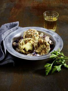 Unser beliebtes Rezept für Käseknödel mit Pilzragout und mehr als 55.000 weitere kostenlose Rezepte auf LECKER.de.