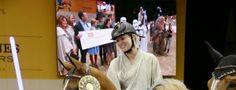 Kaley Cuoco, la star de The Big Bang Theory se déguise en Luke Skywalker pour la bonne cause #TBBT
