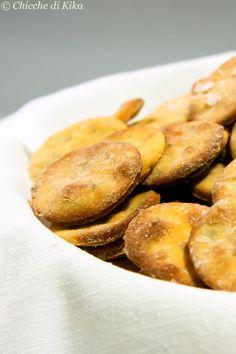 Quando ho visto questi crackers sul blog di Francesca , me ne sono davvero innamorata. Nel suo blog poi ho trovato anche una seconda rice...