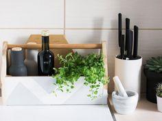 DIY-Anleitung: Küchenbox aus Holzwerkzeugkiste selber machen via DaWanda.com