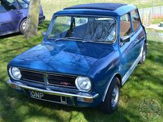 Pretty close to Clubby Perfection right there my friends, I'd just want a vinyl roof to match the webasto.