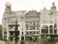 Feniks (Dom Handlowy Braci Barasch) i wschodnia pierzeja Rynku z Pręgierzem w roku 1905