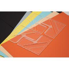 Práctica regla diseñada para ayudar a cortar esquinas perfectas para la encuadernación, scrapbook, forrar un libro, hacer cartonaje, entre otros.